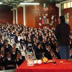 López Nieves en el Colegio Nazareno de Bogotá_250